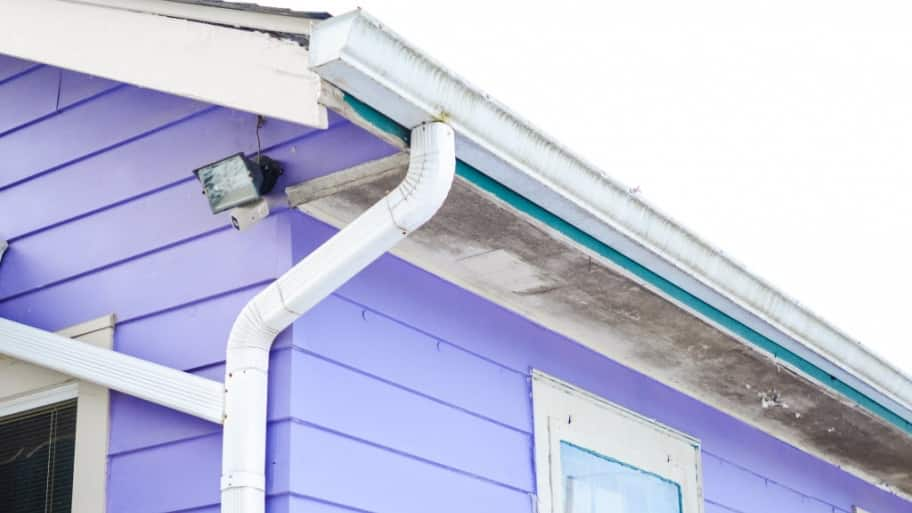 How much does gutter replacement cost angies list gutters on house solutioingenieria Choice Image