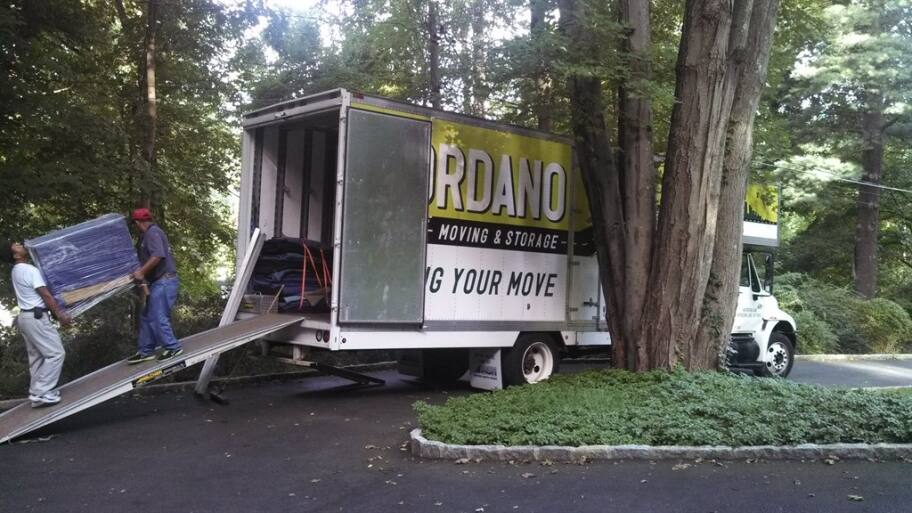What You Need to Know About Hiring Movers | Angie's List