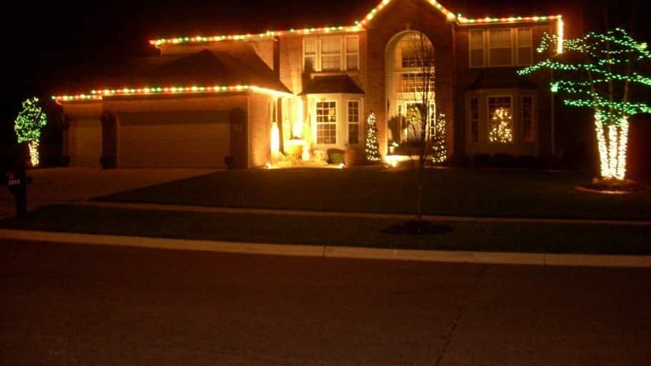 How to hang christmas lights on your garage angie 39 s list - Exterior christmas light hangers ...