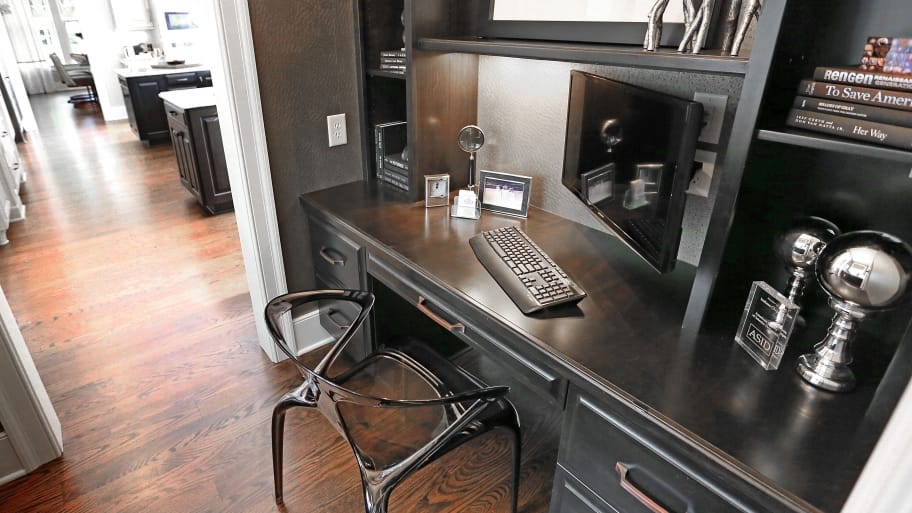 4 tips to increase productivity in your home office angie 39 s list - Colors home office can enhance productivity ...