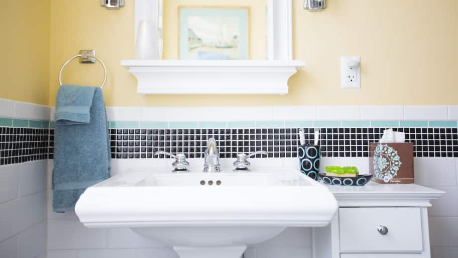 Bathroom remodeling tips and trends angie 39 s list - Angie s list bathroom remodeling ...