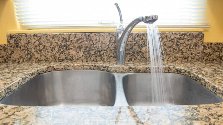Should I Pour Grease Down the Kitchen Sink? | Angie\'s List