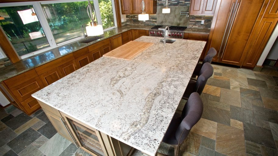 kitchen island with granite countertop - Granite Kitchen Countertops Pictures