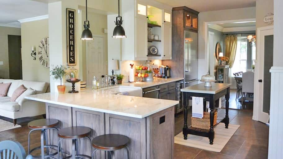 A neutral color palette, including off-whites and pale grays, continues to be a popular option for kitchens. (Photo courtesy of Angie's List member Greg O. of Dallas )