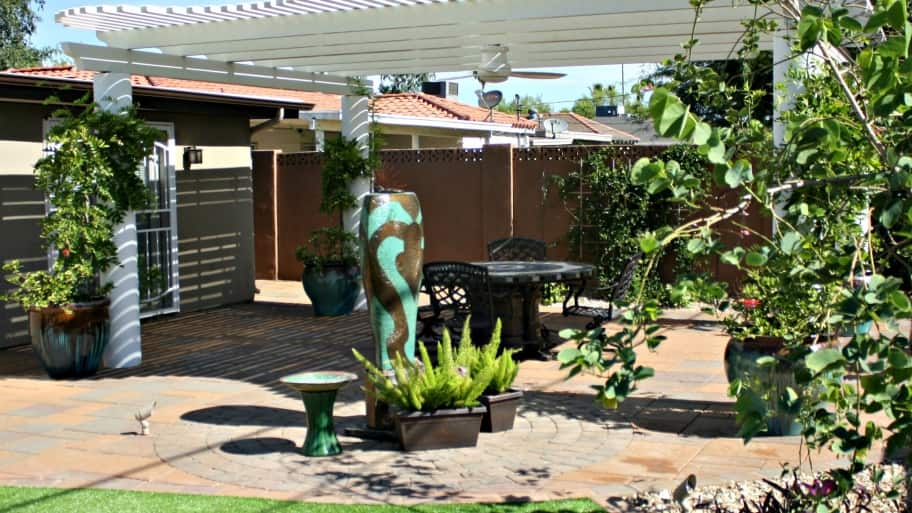How To Develop A Landscaping Plan For Your Yard. Outdoor Landscaped Patio