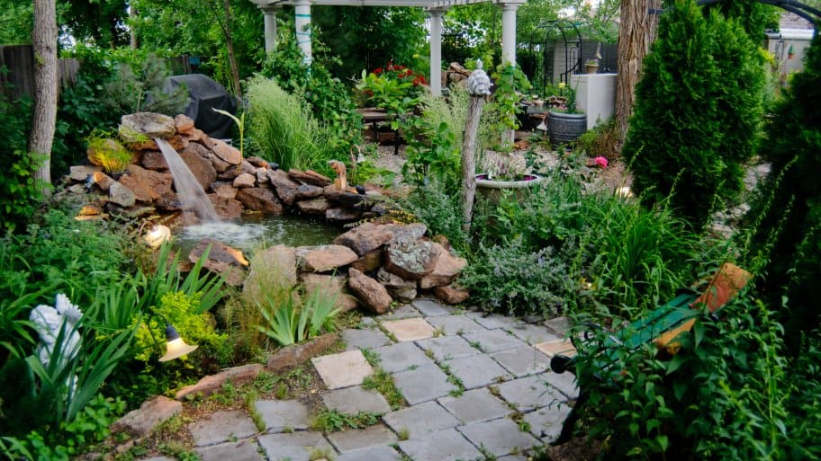 Landscaping ideas designs how to articles angies list for Garden design service