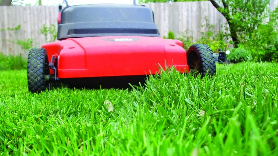 7508a324ff2905 Why Old Gas is Bad for Your Lawn Mower