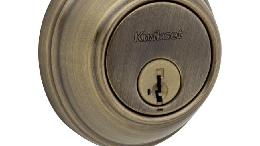 close-up photo of deadbolt lock