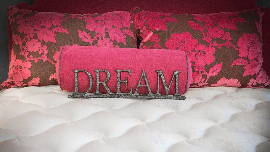 Mattress with a pink dream pillow