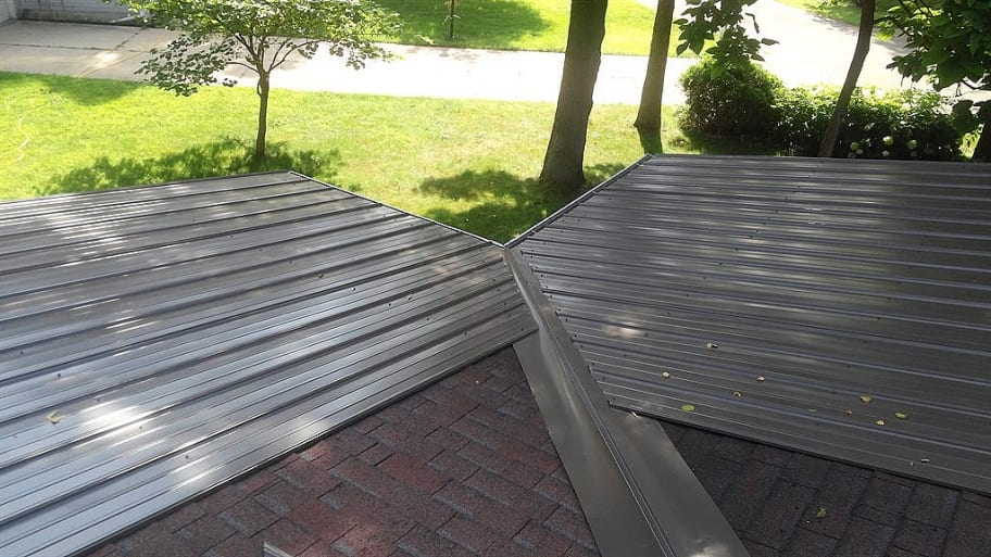 Marvelous Metal Roofs Present Unique Painting Challenges. (Photo Courtesy Of Angieu0027s  List Member Tracie G. Of Bristol, Indiana)