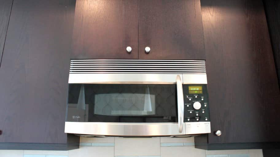 how much does a microwave cost in kitchen