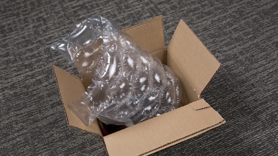 moving box and bubble wrap