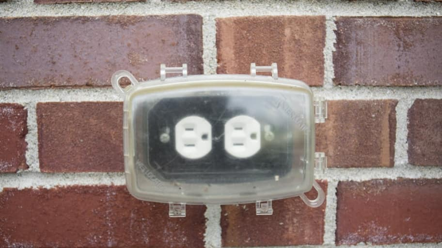 Exterior power outlet
