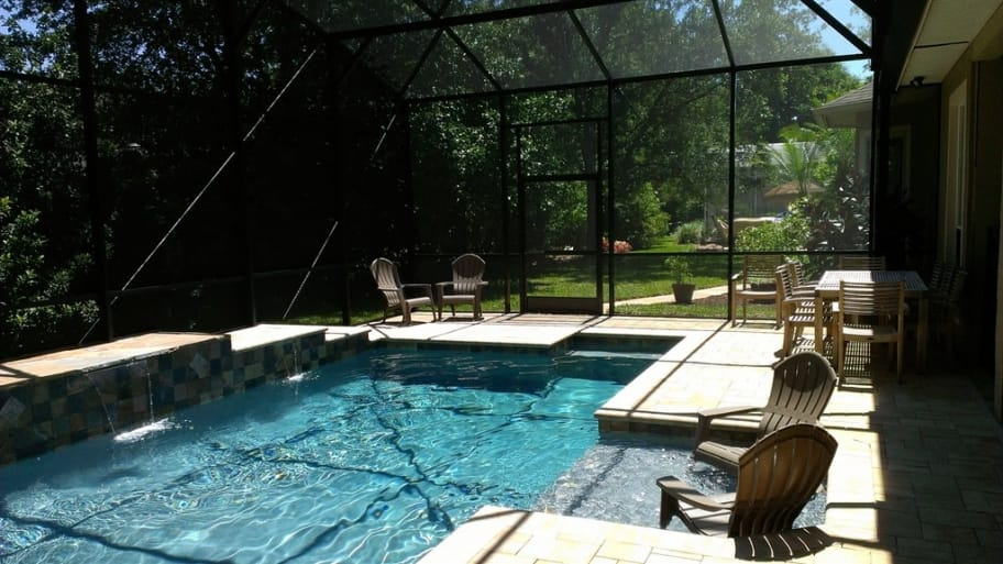 Pool types cost decks and other options angie 39 s list for Types of inground pools