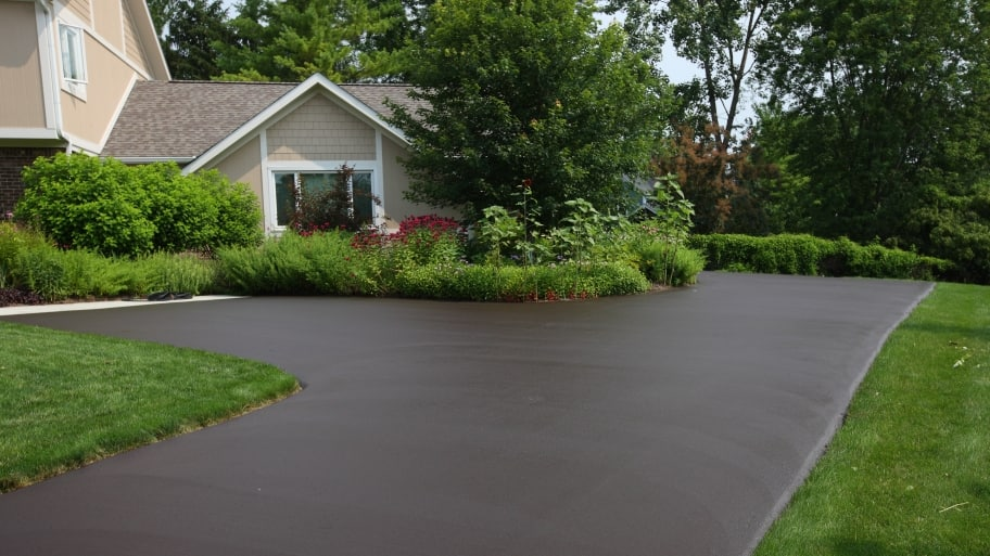How much does an asphalt driveway cost angie 39 s list for 3 car garage cost per square foot