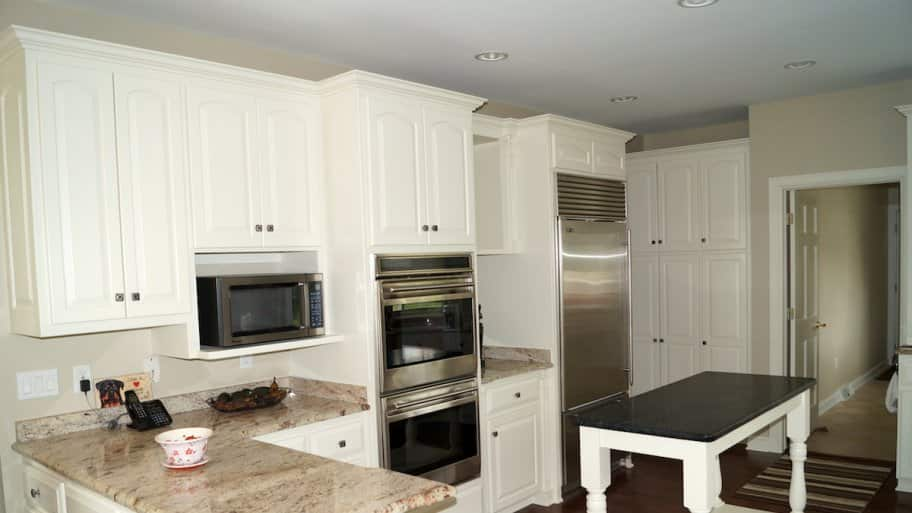 how can i paint kitchen cabinets painting kitchen cabinets in 6 steps angie s list 16644