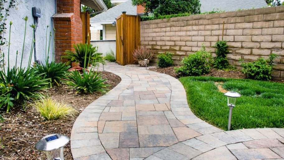 How to Choose Brick Patterns for a Pathway | Angie's List