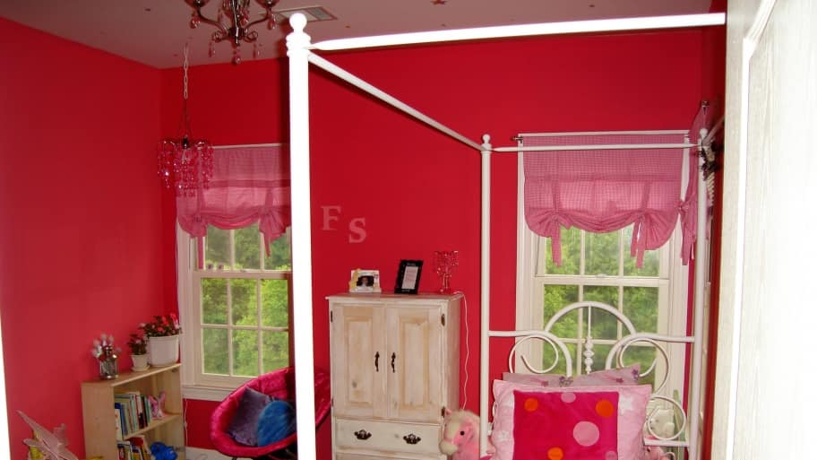 bright pink girl bedroom