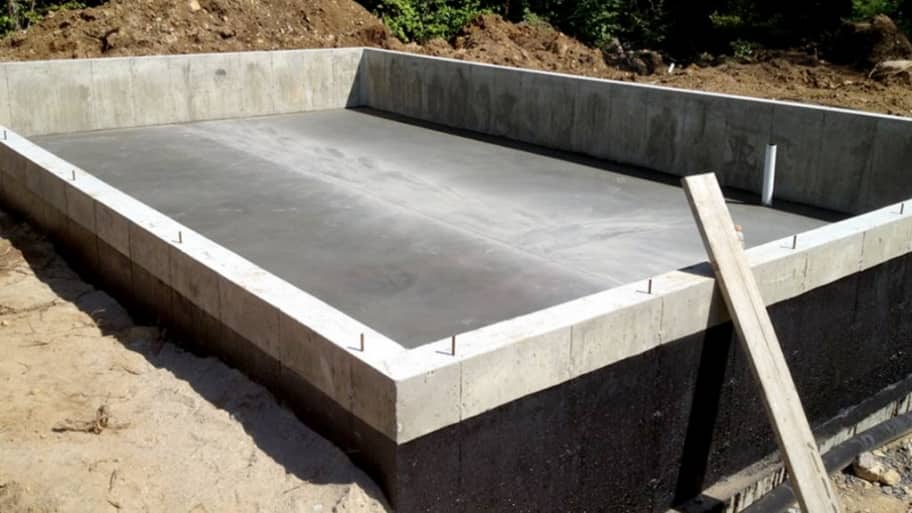 How do contractors pour solid concrete foundations Foundation pouring