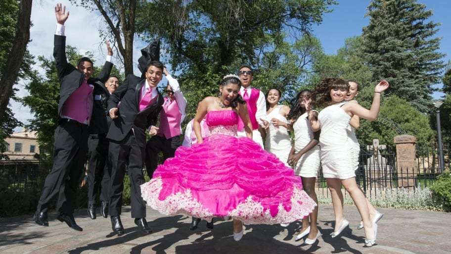 teens celebrating a quineañera