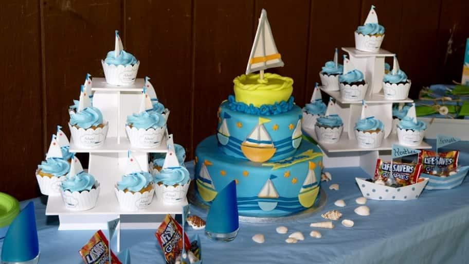 cupcake and cake decorating