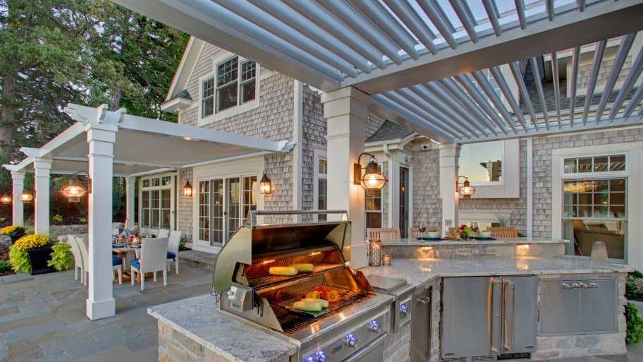 How to Create an Outdoor Room in 5 Steps | Angie\'s List