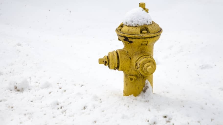 Snow and ice removal tips for the home and driveway angies list fire hydrant in snow solutioingenieria Gallery