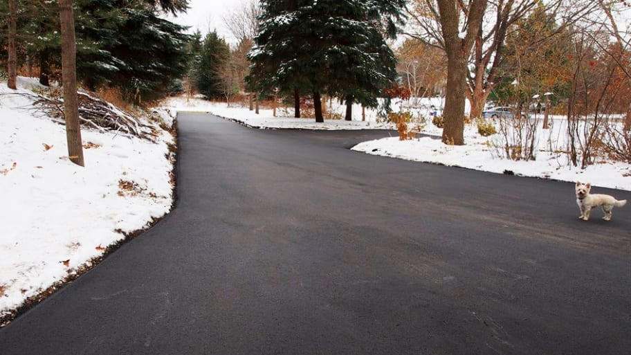 Hiring for snow removal what to know angies list cleared driveway with snow solutioingenieria Gallery