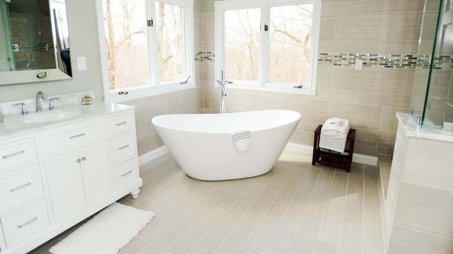 Bathroom With Soaker Tub
