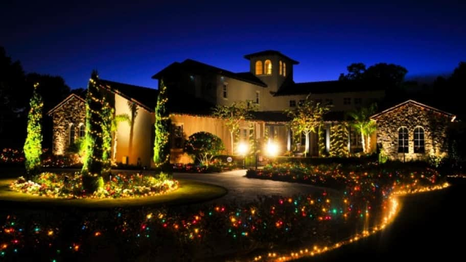 A Tampa-area house decorated by Garden Gnome owner Chip Offers lights the night. (Photo courtesy of Garden Gnome)