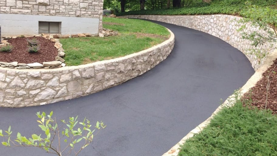 Tips to hire an asphalt paving contractor for your driveway asphalt paving contractor solutioingenieria Gallery