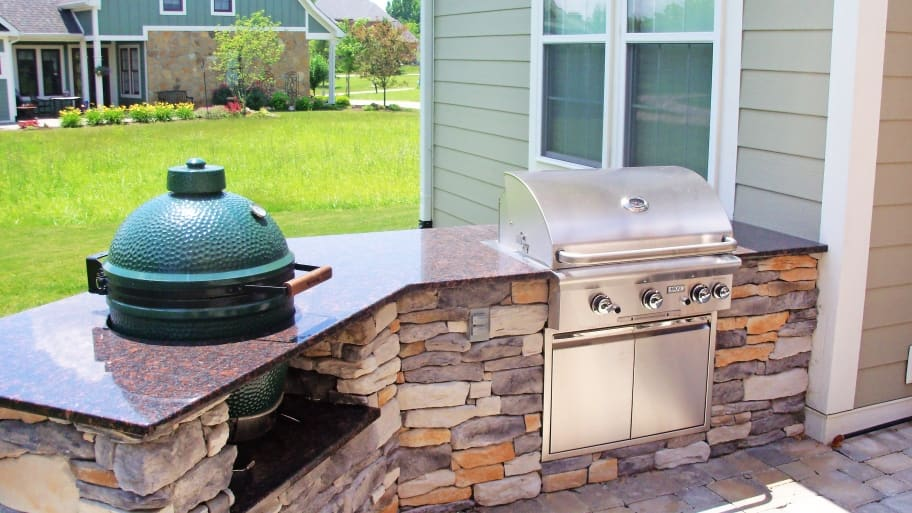 Outdoor Kitchens With An Island, A Smoker And Built In Grill Are Some Of  The Most Popular Options. (Photo Courtesy Of BPI Outdoor Living)