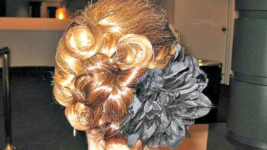 Bridal Tips for Great Wedding Hairstyles | Angie\'s List