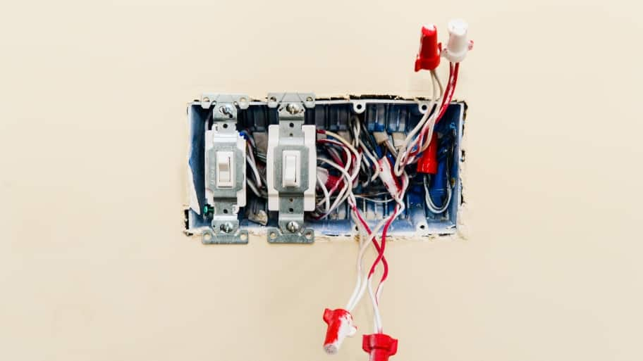 light switches in an open electrical box without cover : what is open wiring - yogabreezes.com