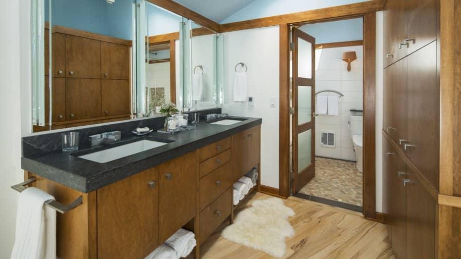 Bathroom Vanity Countertop And Cabinet. Installing ...