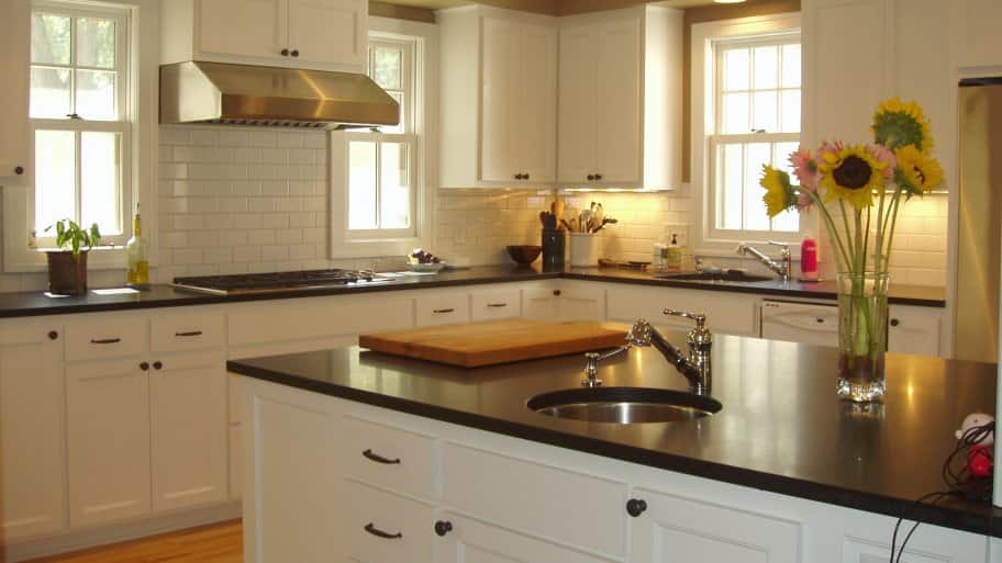 5 Tips To Hire The Best Kitchen Island Contractor