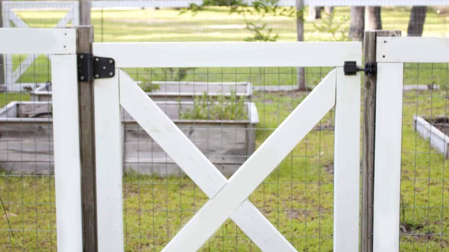 How-to Build A DIY Garden Fence