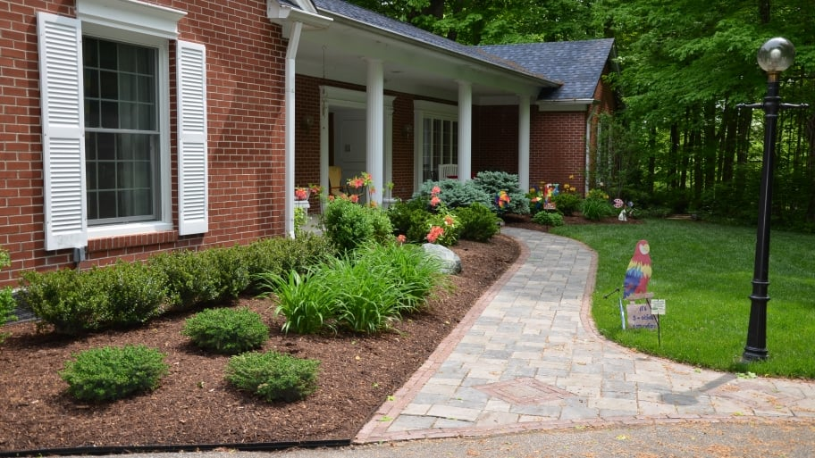 Choosing The Right Mulch For Your Yard Angie S List
