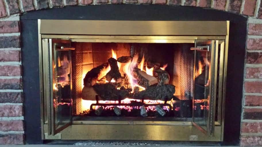 gas fireplace with fire burning - Wood Burning Fireplace. Fireline Stove Of Fireplace And Wood