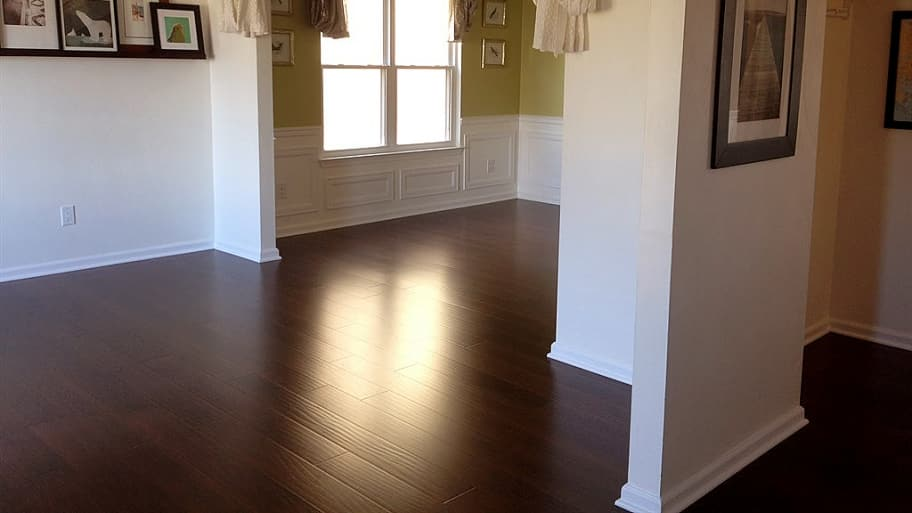 laminate flooring in a room