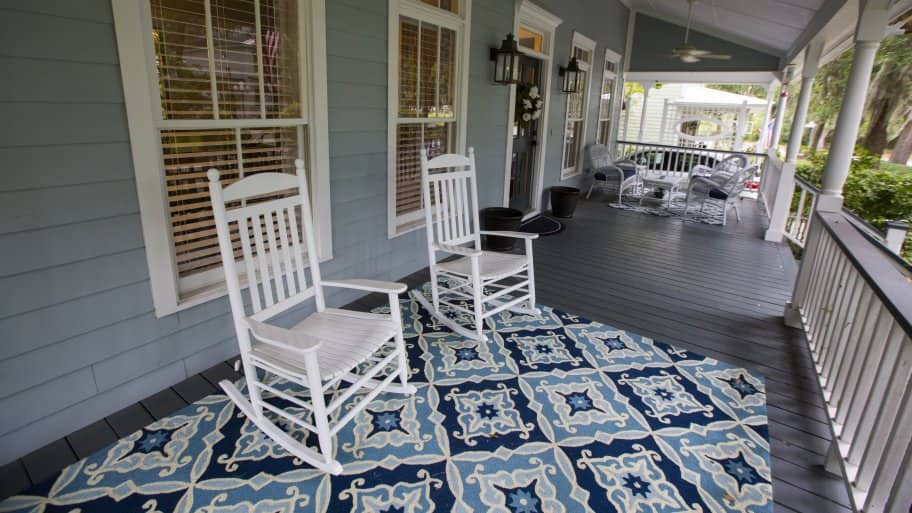 5 Pretty and Practical Front Porch Ideas | Angie\'s List