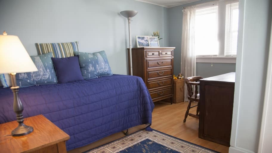 How Much Does It Cost To Paint A Bedroom Newly Painted Bedrom With Blue Walls