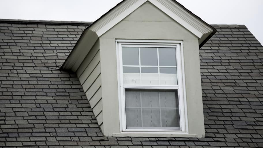 A Detailed Look At How Roofers Should Apply Asphalt Shingles To Your Roof.