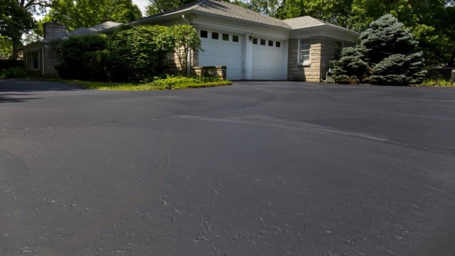 How to repair asphalt driveway cracks angies list how to repair asphalt driveway cracks solutioingenieria Gallery