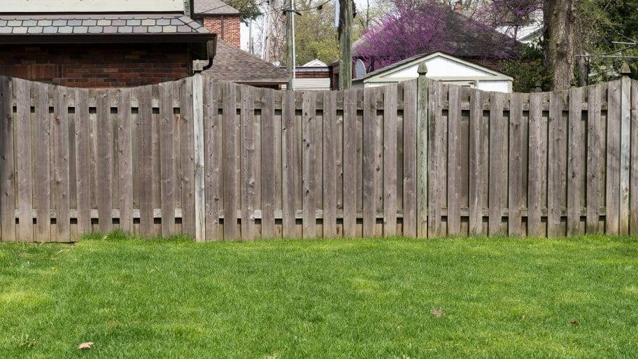 Expect To Spend Between $2,400 To $2,800 On A New Privacy Fence, With An  Average Of Between $8 And $18 Per Linear Foot. The Space Covered Is The  Primary ...