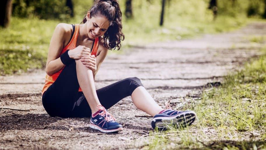 runner in knee pain