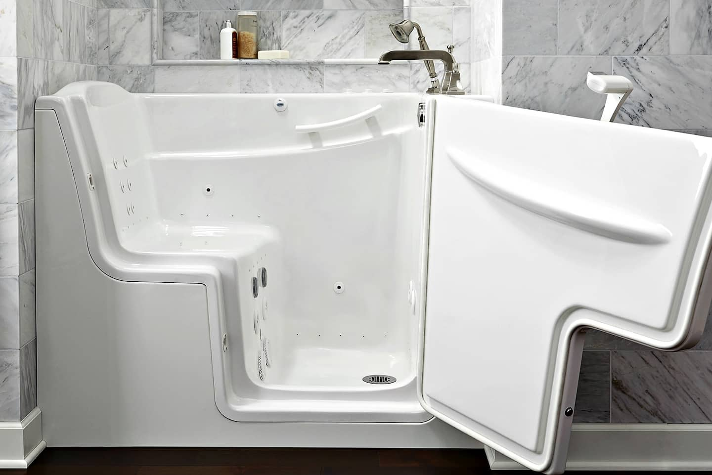 Pros and Cons of Walk-in Tubs for Seniors | Angie\'s List
