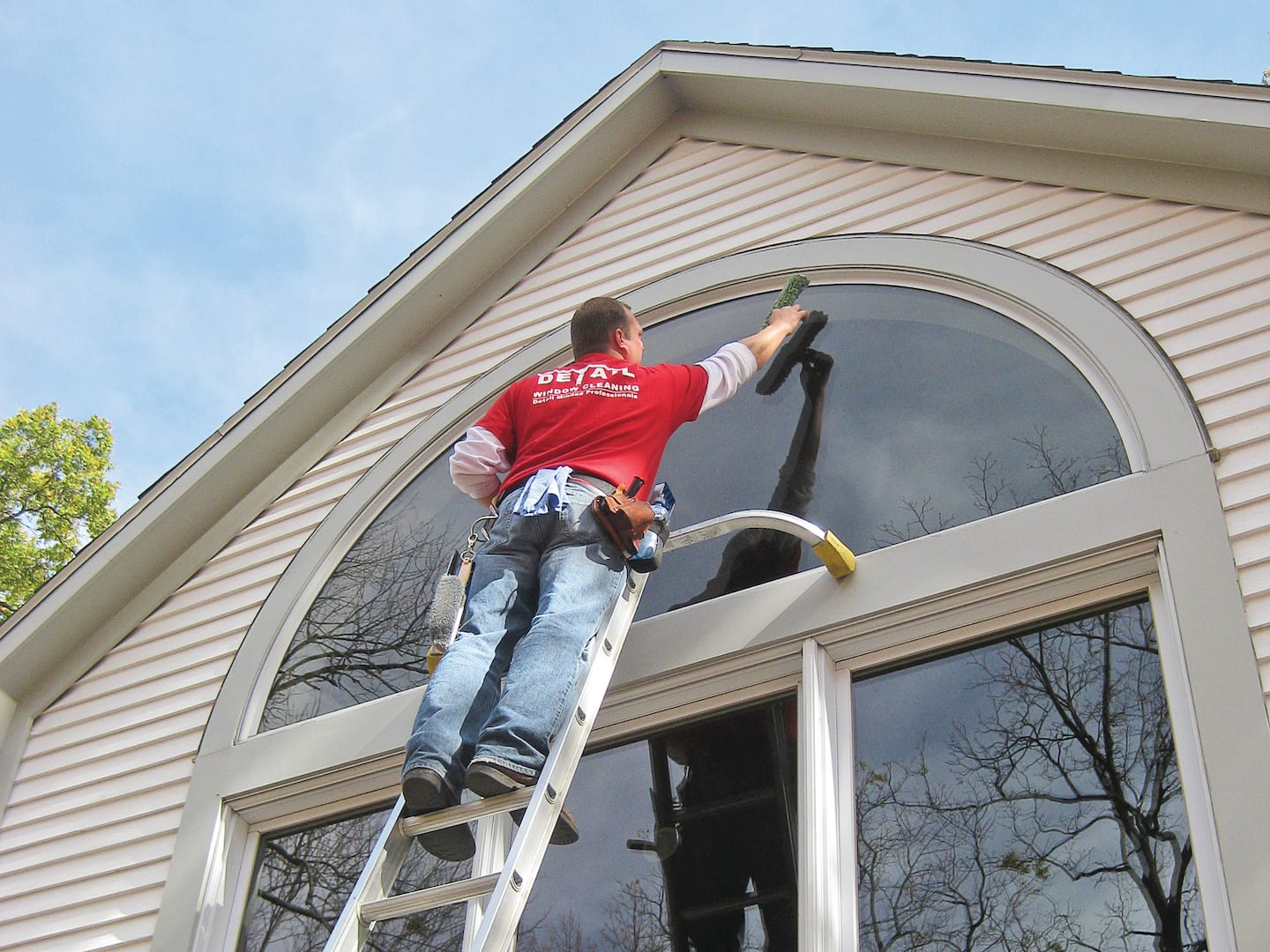 4 Things to Do Before Hiring a Window Cleaning Service .