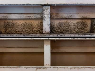 dirty and clean air ducts, above and below