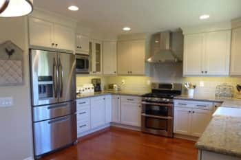 Remodeling transforms 1970s-era kitchen | Angie\'s List
